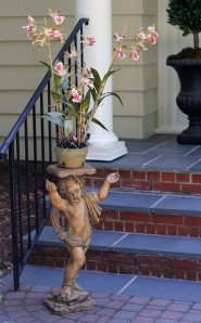 Focus on the cherub please, not the 65+ year old bricks!