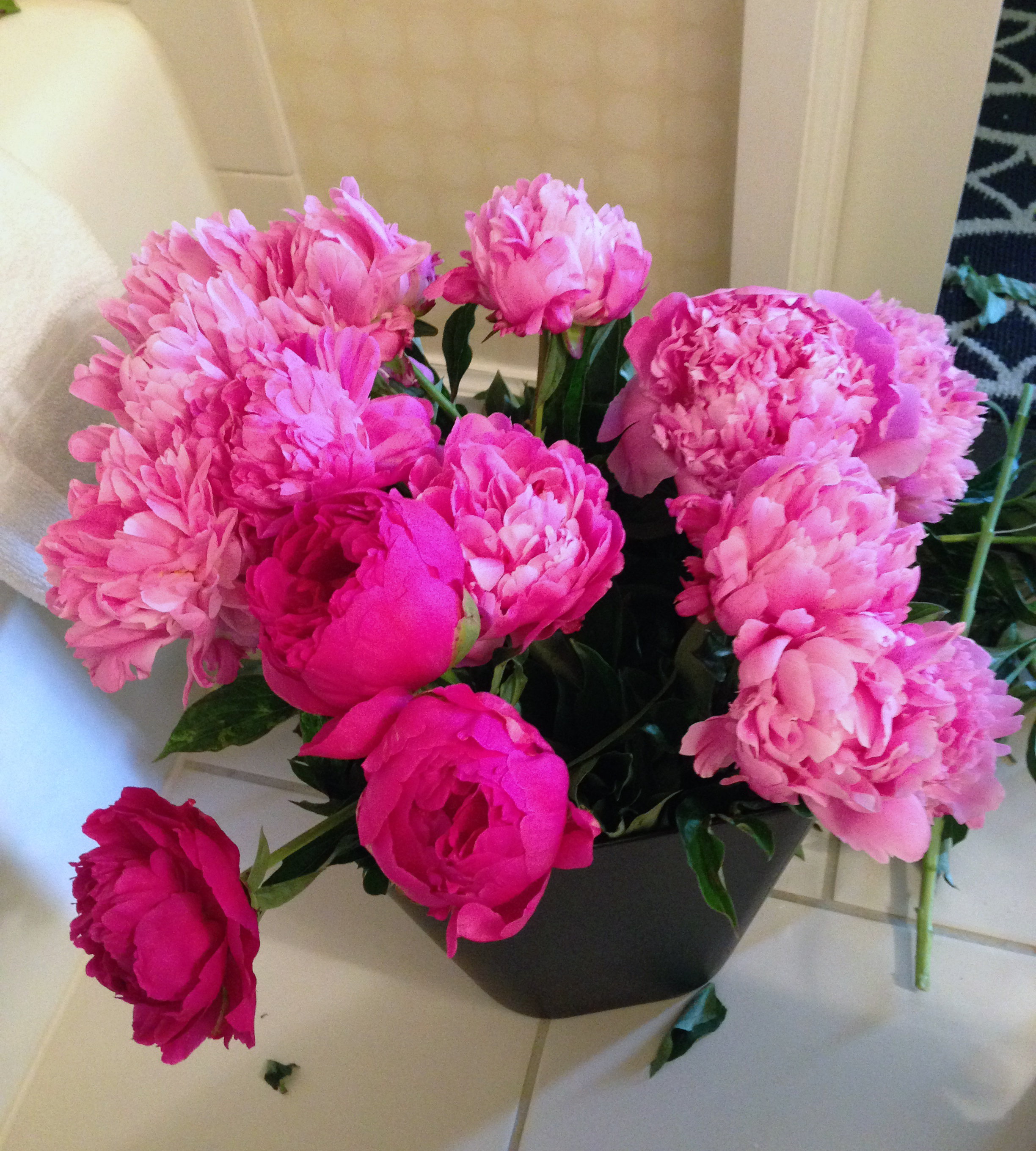 Flower arranging in hotel rooms part one peghardee insight twoand a lot this particular past spring and summer all for joyous family celebrations jump along and take a gander this was brentons 30th birthday izmirmasajfo