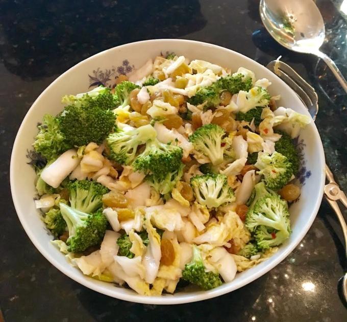 salad-napa-broccoli
